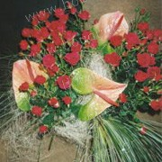 Bouquet of spray roses and anthuriums